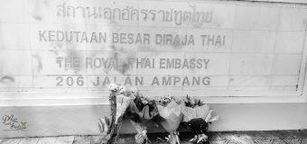Sign Book of Condolence for King Bhumibol at Royal Thai Embassy KL